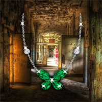 Find The Emerald Pendant Necklace